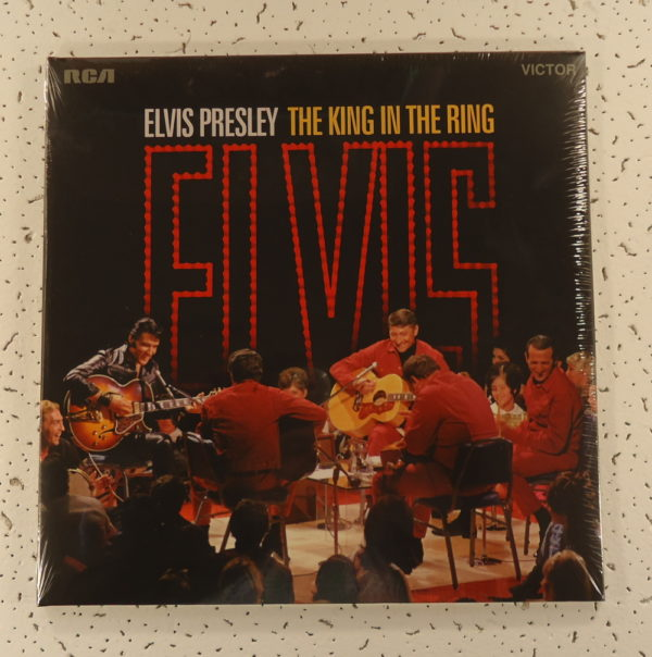 Elvis Presley – The King In The Ring